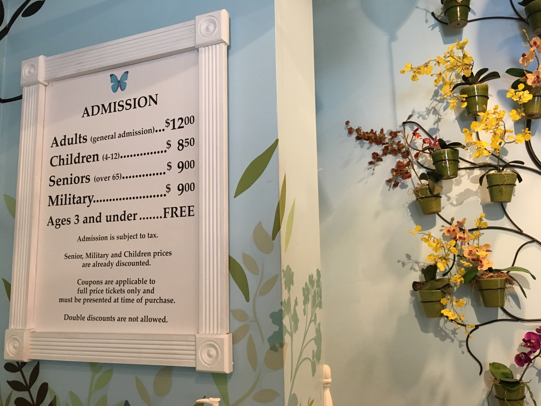 kw-butterfly-museum-admission-sign