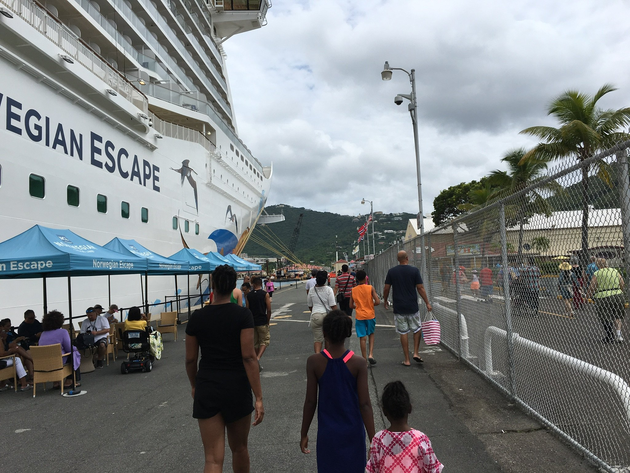 norwegian escape st thomas port
