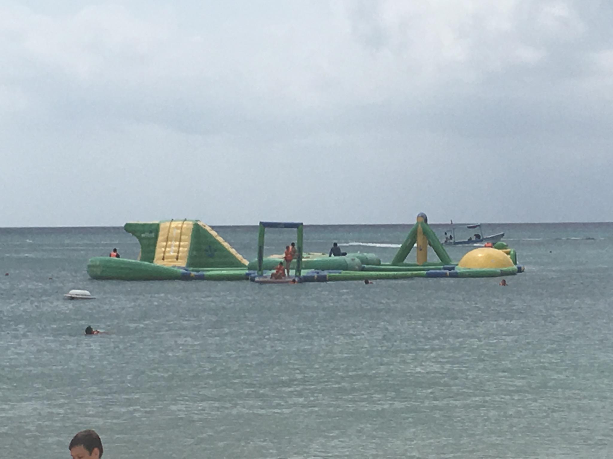 Beach Club Inflatable play