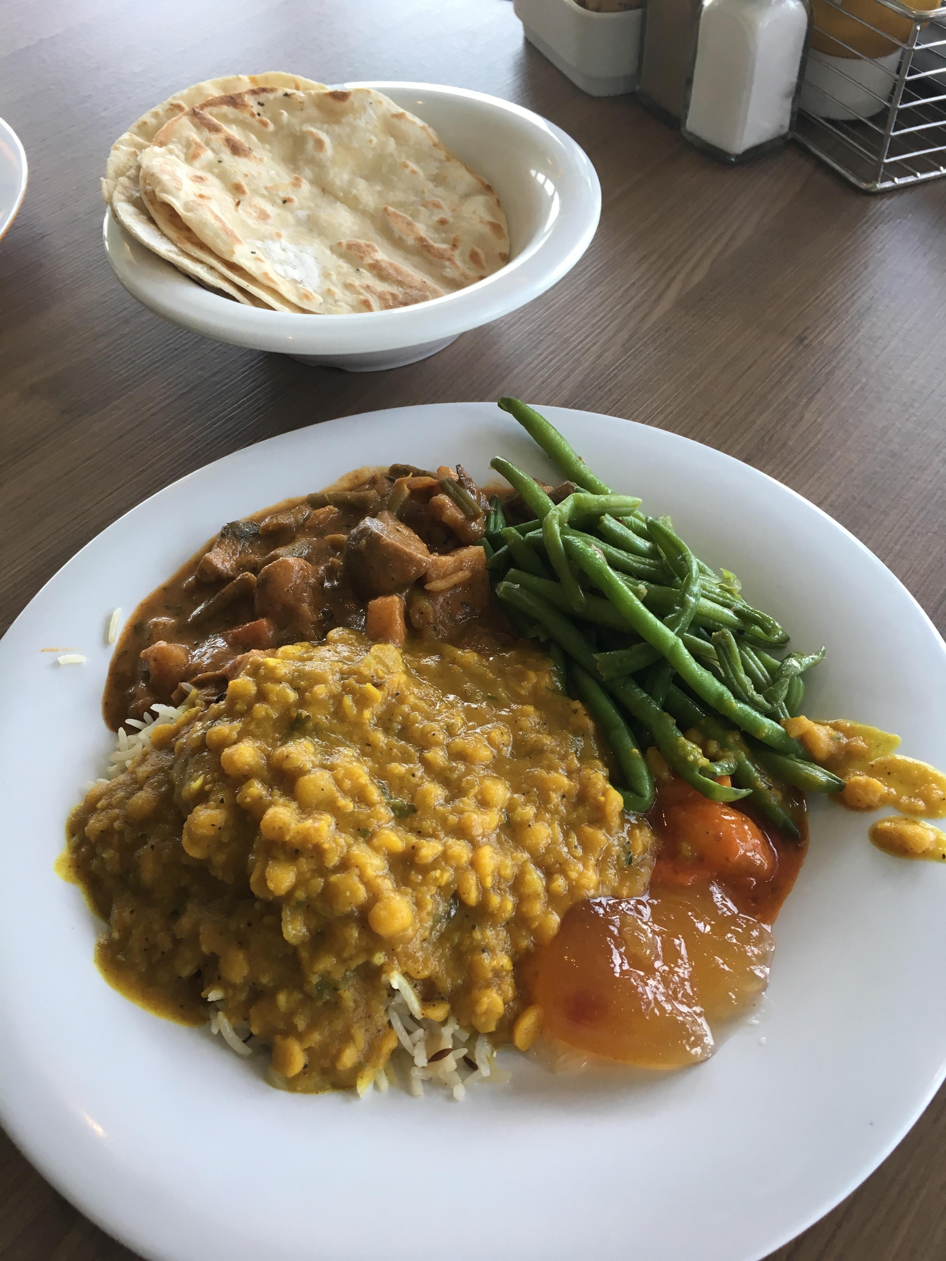 indian-lunch-plate-buffet norwegian escape