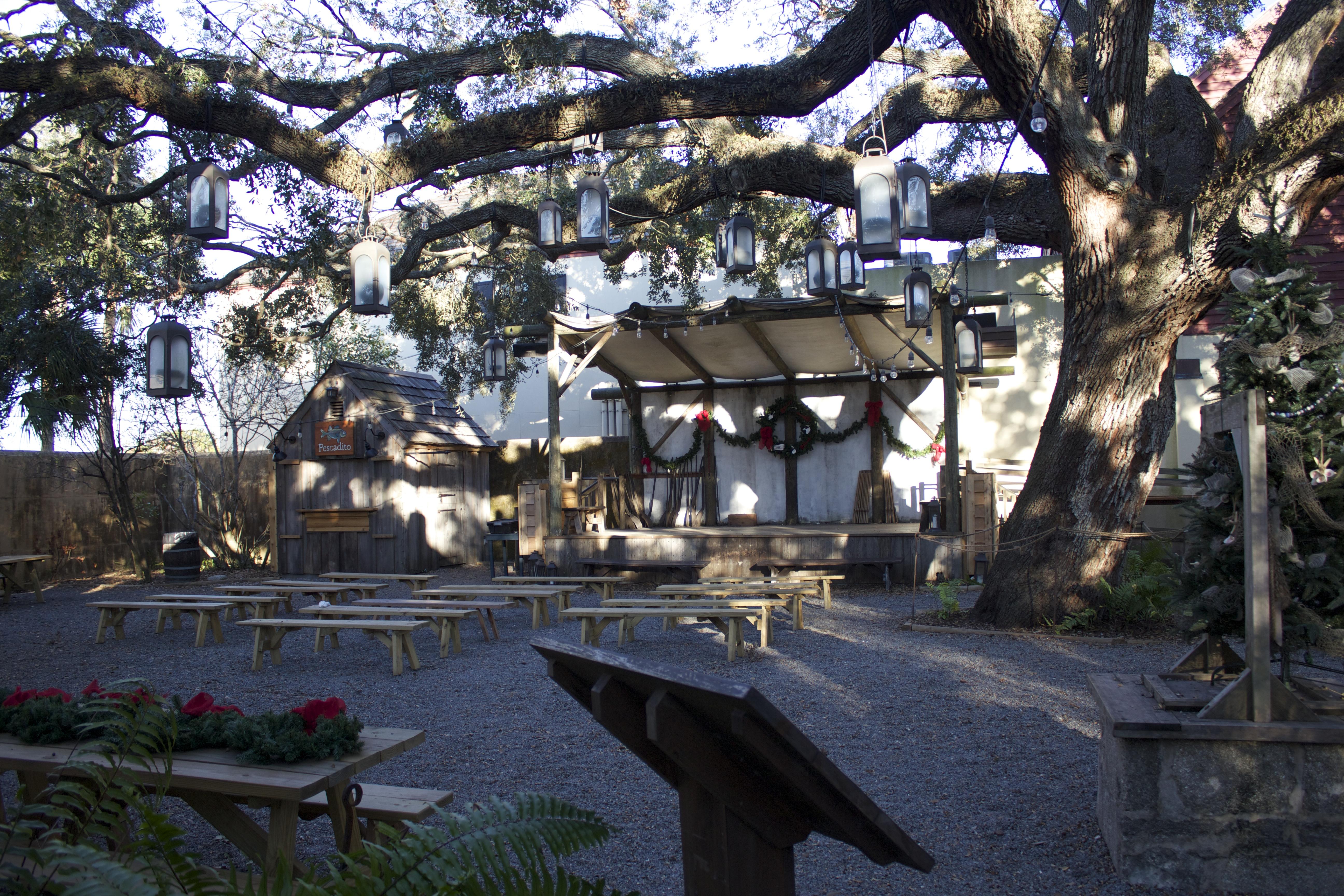 entertainment area colonial quarter