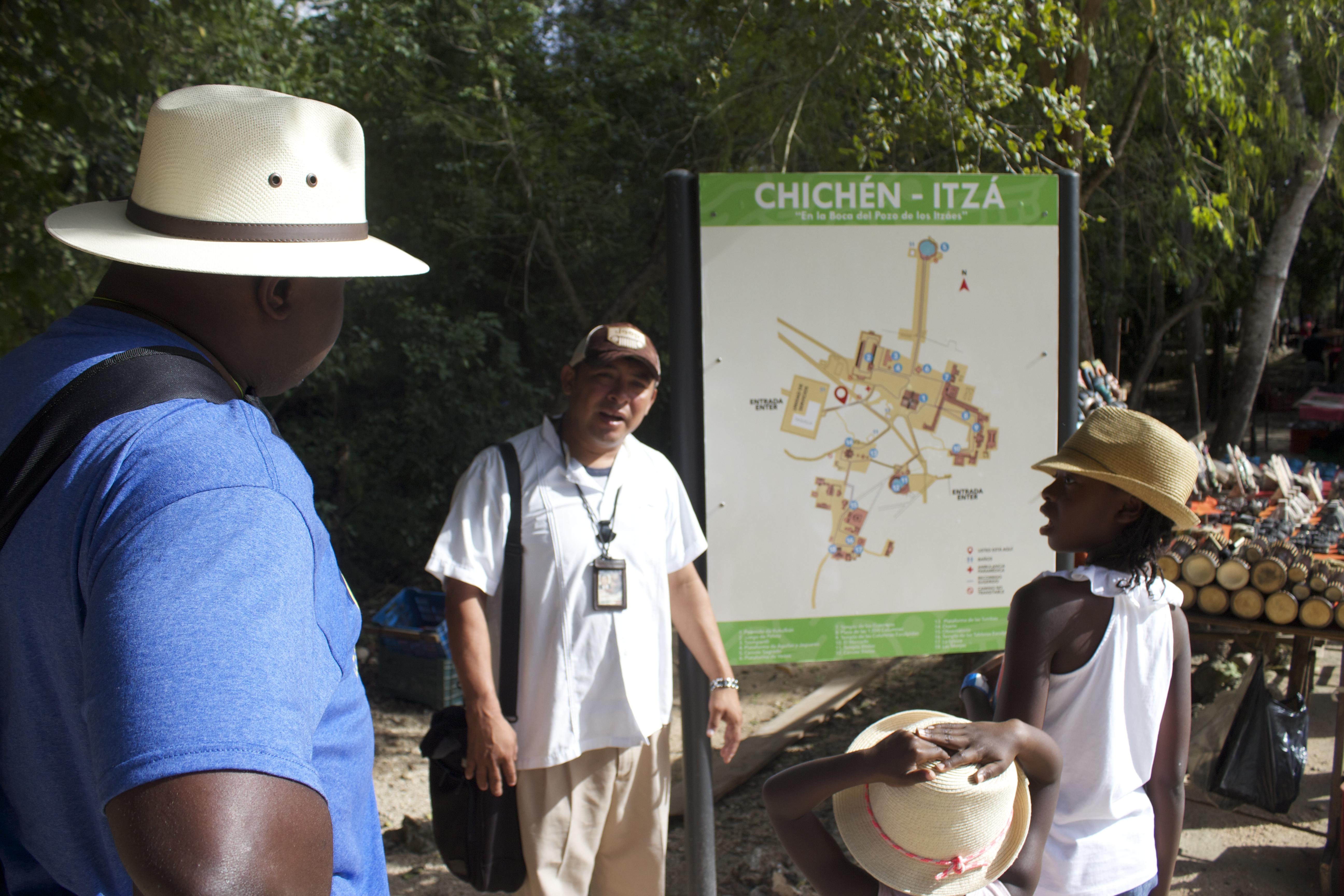 chichen itza tour guide